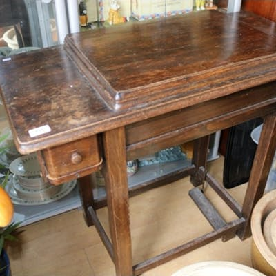 Oak Sewing table with swing over machine (trade)