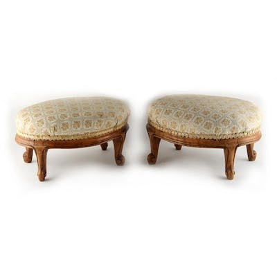 Property of a gentleman - a pair of Victorian walnut oval fo...