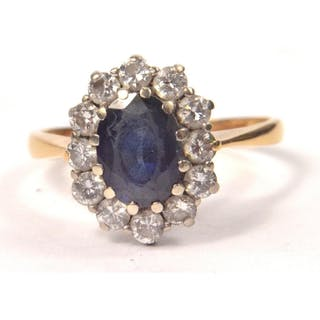 18ct Hallmarked yellow and white gold mounted saphire and di...