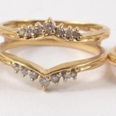 UNUSUAL Set of 3 14k yellow gold rings set with diamonds. Ma...