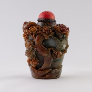 A GOOD CHINESE QING DYNASTY CARVED THREE COLOUR JADE SNUFF B...