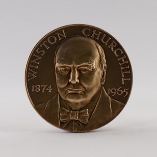 JOHN PINCHES LTD., 9ct GOLD CHURCHILL COMMEMORATIVE PORTRAIT...