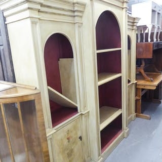 A LARGE THREE SECTION OPEN DISPLAY UNIT, THE CENTRAL SECTION...