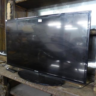 "A SAMSUNG 40"" FLAT SCREEN TV WITH REMOTE CONTROL AND A SKY H..."