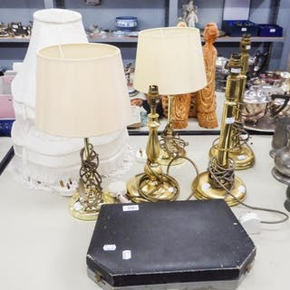 A PAIR OF BRASS BASED ELECTRIC TABLE LAMPS AND 3 OTHERS AND ...