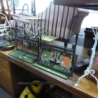 MIXED LOT TO INCLUDE DECORATIVE ELEPHANT KITCHEN UTENSIL HOL...