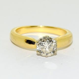 18ct gold diamond solitaire ring - approx 1ct. Size M.