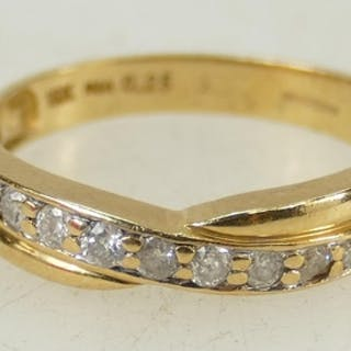 18ct gold half Eternity Diamond ring: Diamond weight .25ct, ...