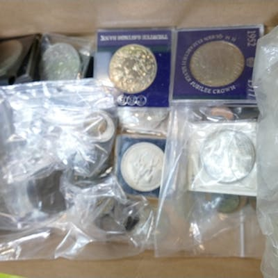 Collection assorted UK coins: Group of UK coins including mo...