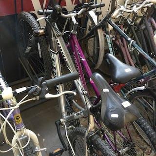 A silver Trek bike