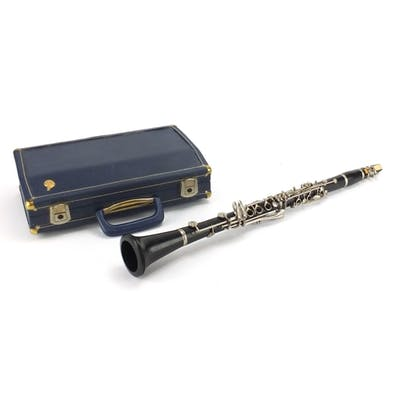 Ebonised Boosey & Hawkes three piece clarinet, numbered 5516...