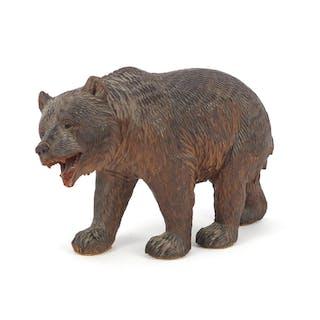 Black Forest carved wood bear, 21cm in length