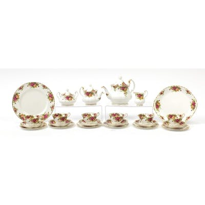 Royal Albert Old Country Roses six place tea service includi...