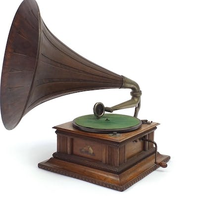 His Masters Voice oak gramophone with wooden horn, the horn,...