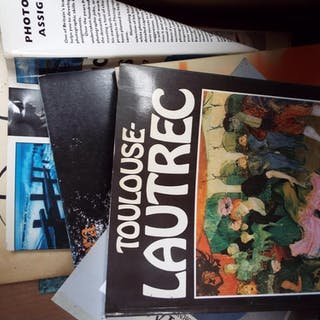 A mixed selection of art related books to include 'Gustav Kl...