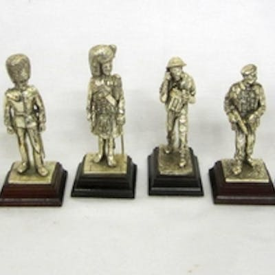 Royal Hampshire Art Foundry Pewter Figurines: Argyll & Suthe