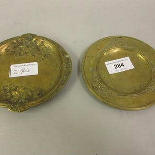 Two Art Nouveau French gilt bronze trinket dishes