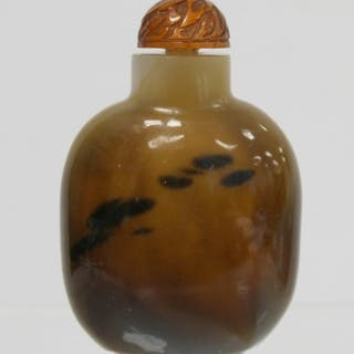 Chinese shadow agate snuff bottle, brown with black streaks,...