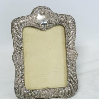 Silver mounted photo frame for image 13cm x 19cm, Chester 19...