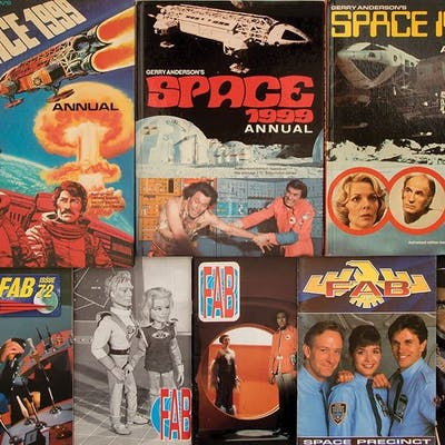 Martin Landau personal collection of Space: 1999 fanzines related