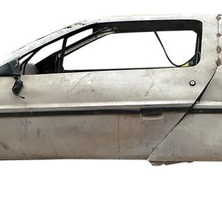 Screen used DeLorean Crash Car and 'time travel component box' from