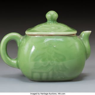 A Chinese Green Glazed Porcelain Tea Pot, late Qing Dynasty 3-1/4