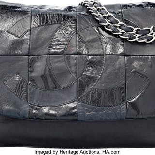 Chanel Black Patent & Lambskin Leather Messenger Bag Condition: 4