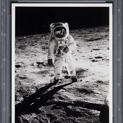 """1970's Buzz Aldrin Apollo 11 Lunar Surface """"Visor"""" Original Photograph"""