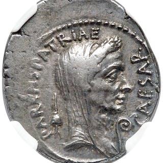 Divus Julius Caesar (49-44 BC). AR denarius (20mm, 3.61 gm, 2h). NGC