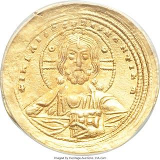 Constantine VIII (AD 1025-1028). AV histamenon nomisma (24mm, 6h).