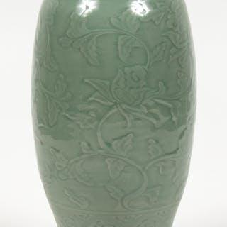 vase pottery | Barnebys