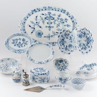 Carl Teichert Meissen Tablewares, Blue Onion, Meissen, Blue Onion