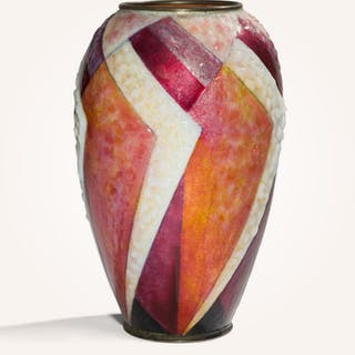 Enameled copper vase with geometric pattern in reds and white - Ralph Gierhards