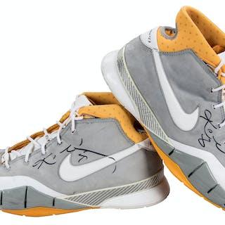 81038958e1d0 2005 Kobe Bryant Game Used   Signed LA Lakers Nike Sneakers (Player LOA    JSA)