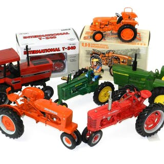 Franklin Mint and Ertl large scale Tractors (7)