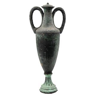 Vase im antikisierenden Stil