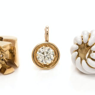 A Yellow Gold, Diamond and Enamel Interchangeable Ring/Pendant Set