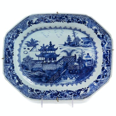 A Chinese Export Canton Blue and White Porcelain Soup Tureen Stand
