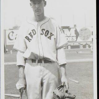 c.1939 Ted Williams choice Rookie year photograph (EX)...