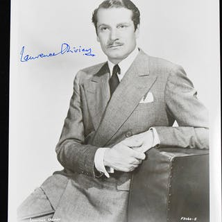 """Laurence Olivier signed 8""""x10"""" photograph (NM)"""