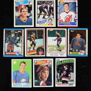 Lot of (127) hockey rookie cards including HOFers from 1970-1990 (GD-NM/MT)
