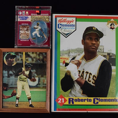 Lot of 20+ Roberto Clemente assorted vintage and modern...