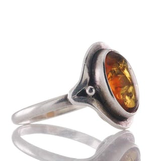 Vintage Ring aus ovalem Cabochon Bernstein und Silber 925, um 1960