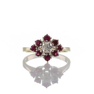 Cluster Vintage Ring aus Bicolor Gold 585er GG und WG mit Rubin und Diamant