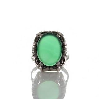 Antiker Art déco Ring Silber 835 mit Dekor und Platte aus grünem Achat, um 1930