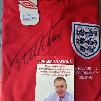 Lot 128 - Geoff Hurst Signed England Shirt - Sir Geoffrey Ch