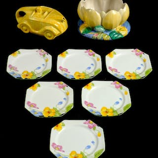 * Clarice Cliff. An Art Deco Clarice Cliff pottery lilly pad