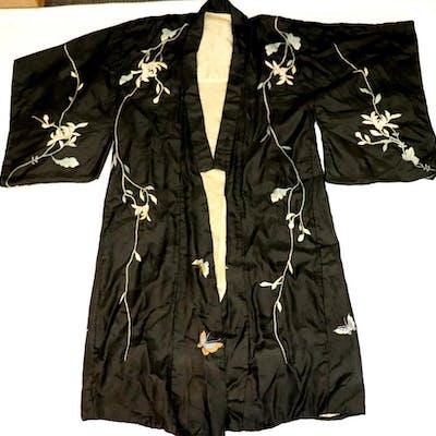 Antique Japanese Black & White Silk Robe
