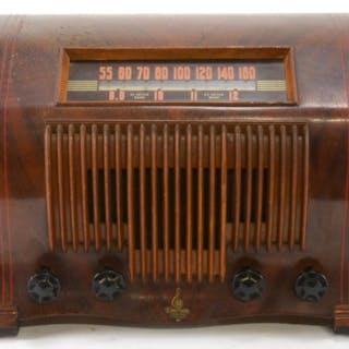 Emerson Model 440 Ingraham Table Top Radio