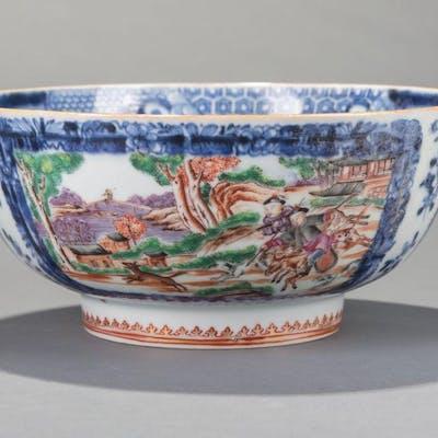 "Chinese Export Porcelain ""Hunt Scene"" Bowl"